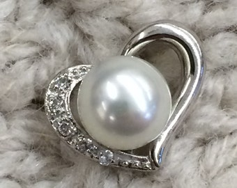 Beautiful Pearl and silver 925 Pendant