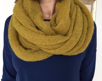 Loop scarf, Infinity scarf, Goat woll scarf, Hand made scarf