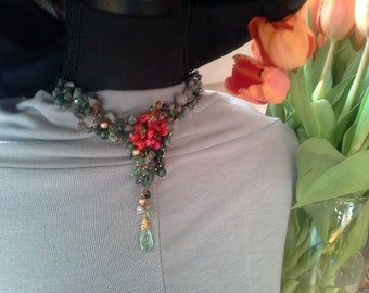 Flower necklace, Green Red Gold Necklace, Statement Necklace, Beaded Necklace