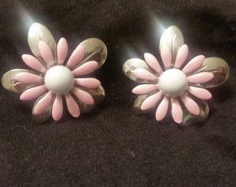 Vintage pink flower earings
