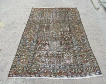4.8x6.7 Ft Washed out distressed Antique Shabby chic style Antique Persian rug