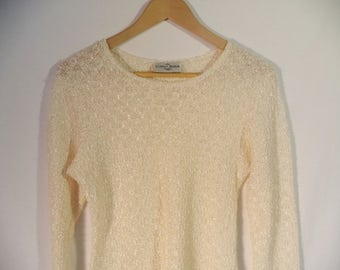 90s popcorn textured pullover// Cream white shiny stretchy sheer crew neck blouse// Vintage Donna Moda USA// Women's size small