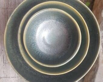 4 Speckled green bowls