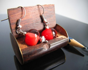 "Glass earrings ""Chinese lights"" red with transparant glass."