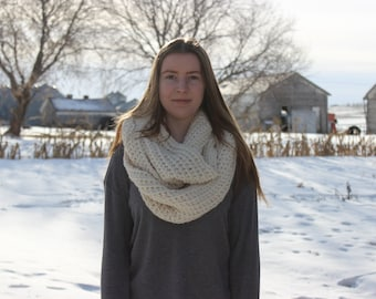 Oversized Chunky Ribbed Infinity scarf PDF crochet Pattern