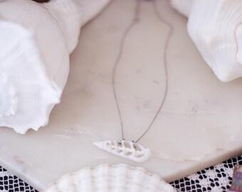 Mermaid White Sliced Shell Short Necklace