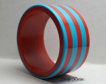 Blue Red STATEMENT Bracelet Contemporary Jewelry Resin Bangle Chunky Bangle Hand Casted Elegant Fun Fresh and Fashionable