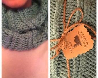 Seafoam green knitt infinity scarf