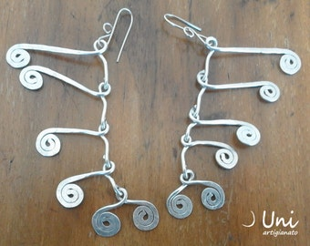 Aluminium or brass earrings inspired by Calder