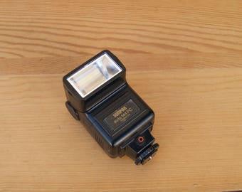 Sunpak Auto 144 PC Thyristor Flash