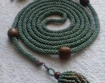 Lariat beaded with braided beads