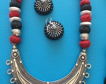Handknotted Thread Necklace Set