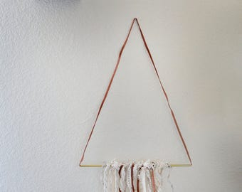 Triangle lace garland