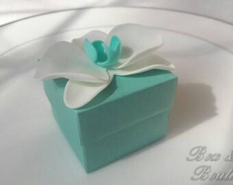 Elegant Tiffany blue favor box with the orchid decor – Wedding bonbonniere