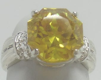 A beautiful 3.5ct Citrine Ring