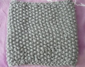 Light grey wool neckwarmer – knitted in MOSS stitch – made seamless-35 x H 32 cm