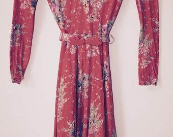 Vintage floral pattern dress