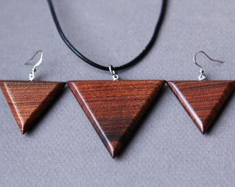 Pendant and earrings from Santos Rosewood