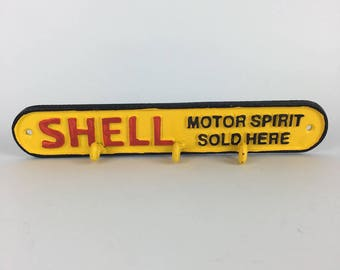 Shell cast iron key holder