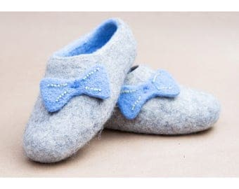 Felted Blue Sky Bow Slippers