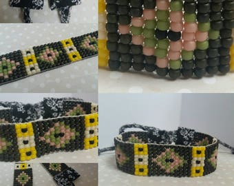 Greenish beaded bracelet
