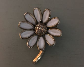 Vintage Trifari Poured Glass White Flower Daisy Brooch 1950s