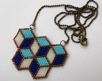 """Necklace """"CUBES"""" woven in beads"""