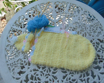 Baby Bunting, or cocoon, and hat - preemie size yellow