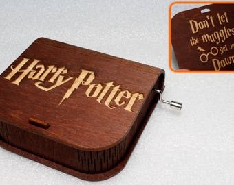 "Harry Potter - Engraved Wooden Music Box - ""Harry's Wondrous World"" - Don't Let The Muggles Get You Down - Hand Crank Movement"