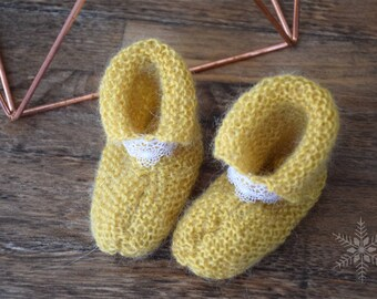 Shoes baby knitting with lace - 0/3 months