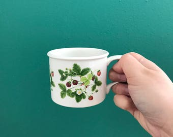 Strawberry Mug - Portmeirion Summer Strawberries mug - small mug - made in England - strawberry design - vintage mug