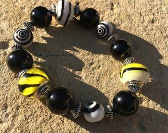 Striking black and yellow Murano glass beaded bracelet