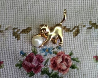 Vintage cat brooch vintage sarah coventry cat brooch gold tone brooch vintage animal jewelry vintage cat jewelry costume jewelry