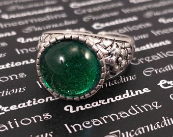 Handpainted green silver ring gothic