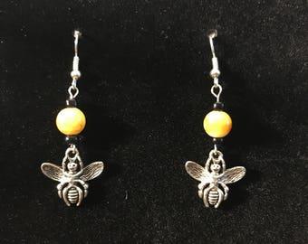 Bumblebee earrings, black and yellow beaded earrings, beaded jewelry, bee jewelry, bug earrings, insect jewelry