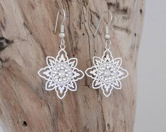Drooping earrings silver and white opal (BO118)
