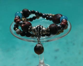 Summer bracelets (duo) in turquoise blue stones and logs