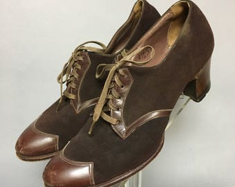 Vintage 1930's / 1940's LEATHER Lace Up WALKERS / Chunky 40s High Heels Oxford Shoes / size 6 1/2 A