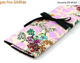 Sale Large Knitting Needle Case Organizer - Tangle Lavender - 30 black pockets for all size needles or paint brushes