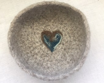 Oatmeal Valentine Felted Ring Bowl