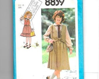 Simplicity Girls' Blouse, Skirt and Lined Vest Pattern 8839