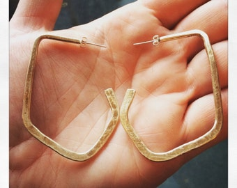 Hammered brass geometric hoops