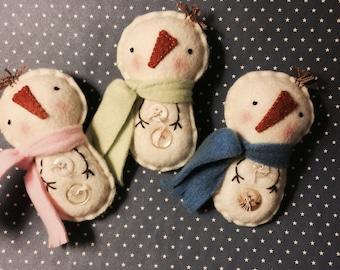 Felt Snowman Ornaments - Set Of 3 Ornies  Fleece Scarves - Buttons - Ornaments