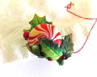 Antiqued Peppermint Candy and Holly Berries, Christmas Needle Minder, Holiday Season Needle Nanny