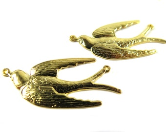 Gold Plated Flying Sparrow Bird Pendant (2X) (M581-C)