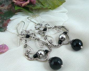 Onyx Chandelier Earrings ~ Bali Silver Earrings ~ Black and Silver Earrings ~ Wire Wrapped Chandelier Earrings ~ Silver Chandelier Earrings