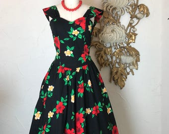 1980s dress Hawaiian dress 1950s style dress vintage dress size medium full skirt dress 80s does the 50s