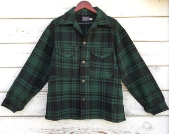Vintage 70s Pendleton coat,jacket,wool,unisex,hunting,outdoor,lumberjack,buffalo,USA,classic,original,green,black,plaid