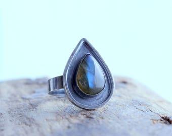 Flashy Labradorite Sterling Silver Ring