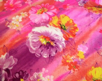 Bright Floral Print Vintage Cotton/Poly Fabric - 2 7/8 Yards - Fabric Yardage / Fabric Yardage / Cotton Fabric/ 1950s Fabric / 50s